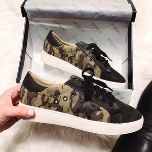 NIB Ccocci Marcie Camo Sneakers